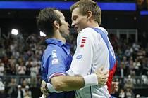 Hrdinové. Radek Štěpánek (vlevo) a Tomáš Berdych zajistili České republice triumf v Davis Cupu.