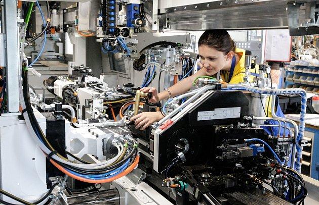 Seřizování brousícího stroje přes ovládací panel či měření vřetýnka na stroji Jupiter.