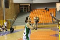Šárka Kašpárková přispěla při své premiéře basketbalistkám Valosunu Brno k vítězství 88:85 nad Slovankou jedním košem.