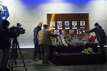 Lidé uctívají památku Alexandrovců