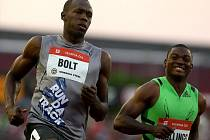 Hvězdný sprinter Usain Bolt vyhrál závod na 100 m na Zlaté tretře.