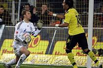 Dortmund doma jen remizoval se Schalke 0:0.