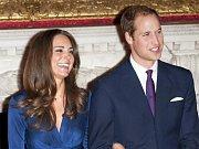 Britský princ William a jeho dlouholetá přítelkyně Kate Middletonová