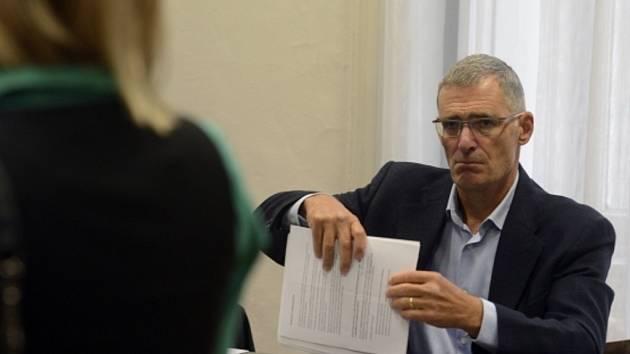 Pražský městský soud dnes definitivně osvobodil někdejšího ředitele civilní rozvědky Karla Randáka.