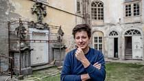 Matěj Stropnický na jeho zámku v Osečanech.