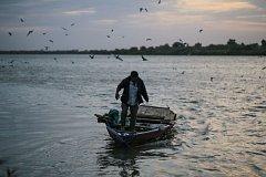 K překonávání Nilu používají súdánští vesničané většinou dřevěné lodě, ilustrační foto