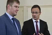 Ministr zahraničních věcí Tomáš Petříček (vlevo) a jeho maďarský protějšek Péter Szijjártó