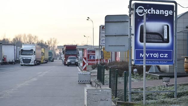 První ráno po zavedení nového mýtného systému 1. prosince 2019 na česko-slovenském přechodu u Lanžhota bylo poklidné, kolony se netvořily
