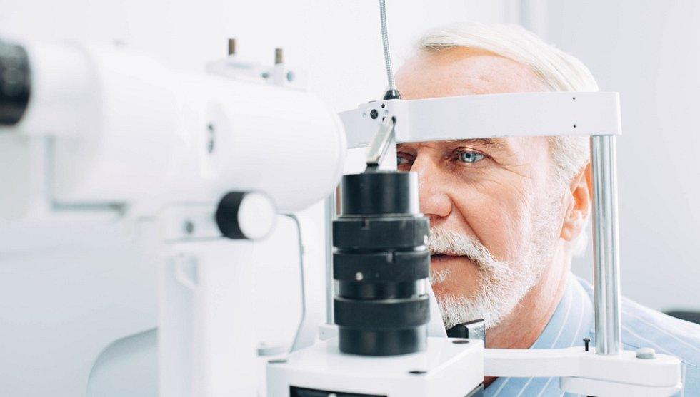 Pojišťovny hradí základní typ nitrooční čočky, samozřejmě i základní čočky jsou na našich klinikách z vynikajícího materiálu a velmi kvalitní.