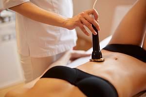 Pokud hledáte způsob, jak zhubnout jednou provždy, můžete se obrátit na odborníky z oboru estetické medicíny.