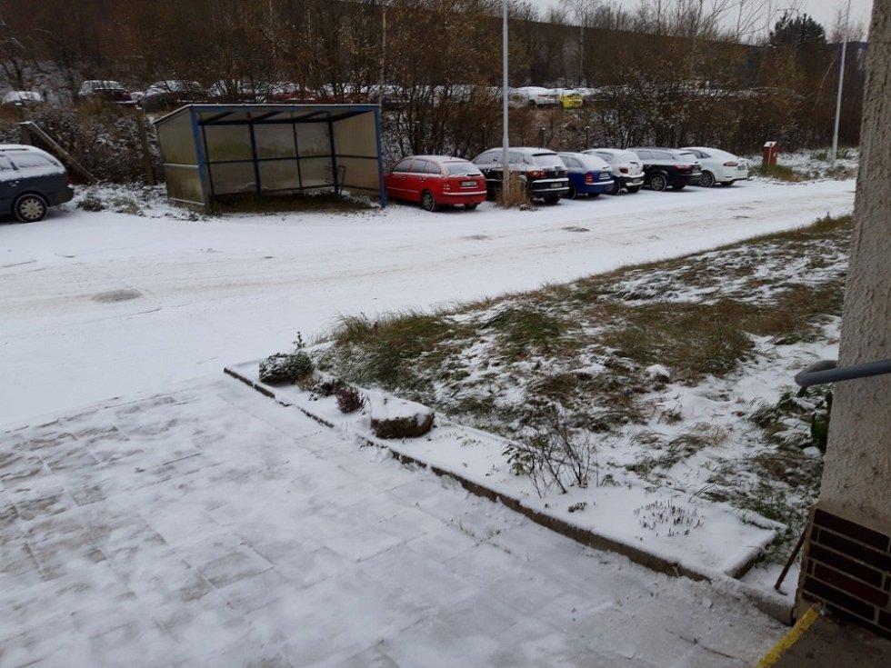 V Jihlavě napadly celkem k dnešnímu ránu dva centimetry sněhu, píše Petr Janoušek, dobrovolný pozorovatel počasí pro ČHMU