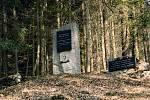 Les u Habrůvky na Blanensku. Památník Rudolf Haša - připomíná jednoho ze zakladatelů Školního lesního podniku Masarykův les.