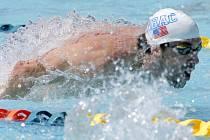 Michael Phelps v rozplavbě na 100 motýlek.
