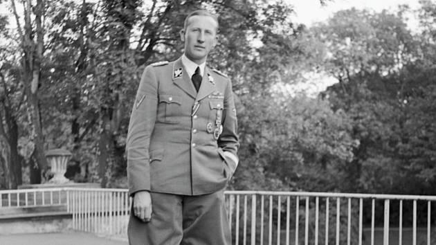 Obergruppenführer generál Reinhard Heydrich, zastupující říšský protektor v Čechách a na Moravě (snímek pořízen v Praze 27. září 1941)