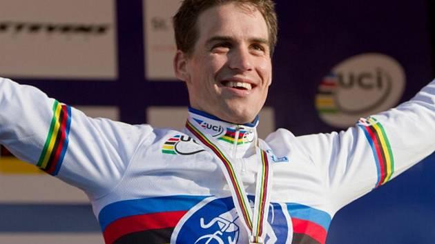 Cyklokrosař Zdeněk Štybar obhájil v St. Wendelu titul mistra světa.
