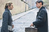 David Kross a Kate Winslet ve filmu Předčítač