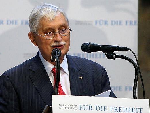 Jiří Dienstbier, bývalý československý ministr zahraničí.