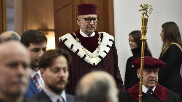Rektor Masarykovy univerzity Mikuláš Bek