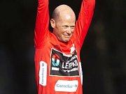 Warren Barguil se raduje z etapového vítězství na Vueltě 2013.