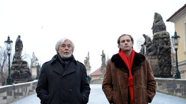 Očekáváným diváckým trhákem je vánoční romance režisérky Lenky Kny Přijde letos Ježíšek?