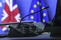 Vlajky Británie a EU. Ilustrační snímek