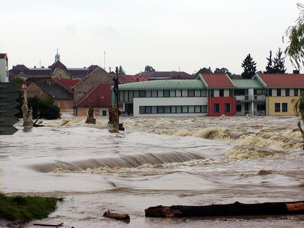 Povodeň na Otavě v Písku v roce 2002