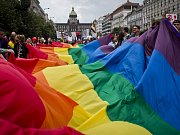 Pochod Prague Pride v roce 2013.