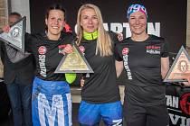 České reprezentantky OCR obsadily pódium na sobotním Spartan Sprintu v Kutné Hoře. Zleva: druhá Martina Fabiánová, první Kristýna Hůrková a třetí Vendula Soukupová.