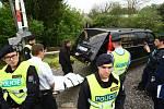Zpěvačka Iveta Bartošová spáchala v úterý 29. dubna 2014 sebevraždu skokem pod vlak, následkům zranění na místě podlehla.