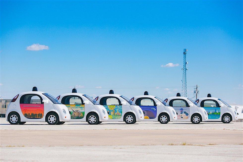 Bezpilotní auta Google Waymo.