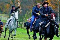 Hony a lovy k zámkům a hradům vždycky patřily. V současnoti jsou velmi populární Hubertovy jízdy.