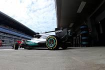 Lewis Hamilton v tréninku na Velkou cenu Ruska.