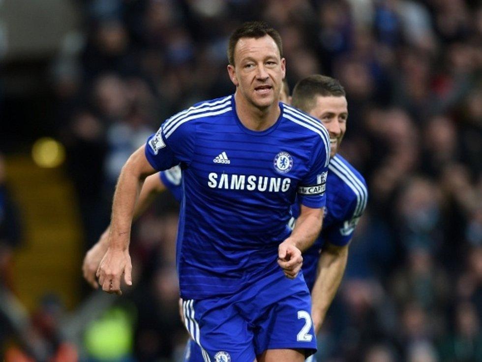 John Terry z Chelsea se raduje z gólu proti West Hamu.