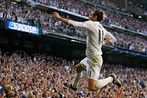 Gareth Bale z Realu Madrid se raduje z gólu proti Manchesteru City.