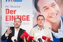 Herbert Kickl a Heinz-Christian Strache z rakouské FPÖ.