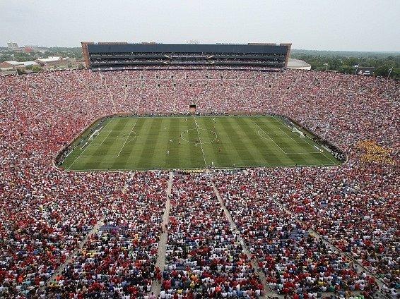 Divácký rekord při zápase Manchester United - Real Madrid