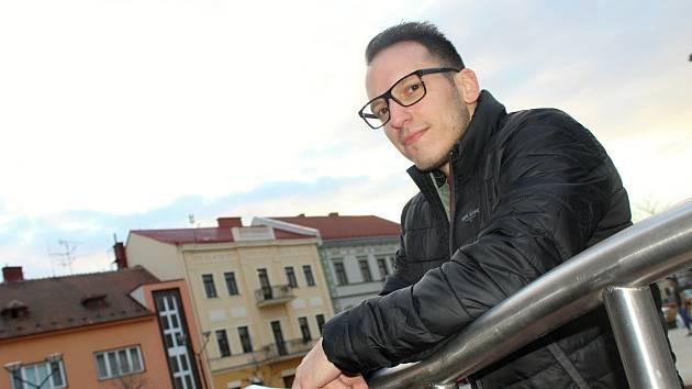 Devětadvacetiletý Milan Tkadlec pocházející z Hovoran až v dospělosti zjistil, že je alergický na laktózu.