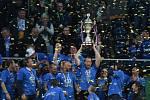 Jablonec - Liberec: Radost fotbalistů Slovanu s trofejí