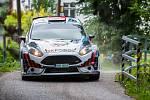 Rally Bohemia, pátý závod seriálu Mistrovství České republiky v rally, pokračovala 2. července. Na snímkuJaroslav Szeja a spolujezdec Marcin Szeja s vozem Ford Fiesta R5 na deváté rychlostní zkoušce - Radostín.