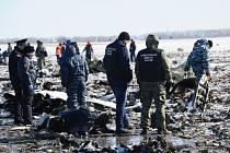 Letečtí experti vyšetřující příčiny sobotní havárie letadla společnosti FlyDubai v ruském Rostově na Donu dnes oznámili, že černé skříňky zajištěné na místě nehody jsou silně poškozené.