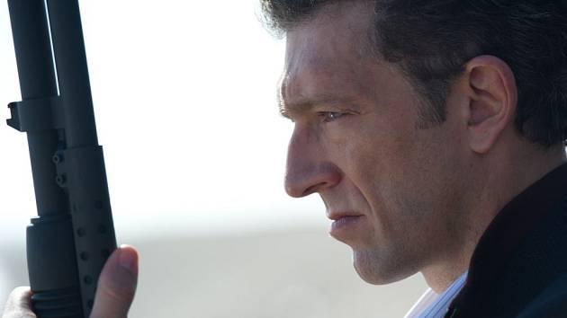 TRANS. Rozporuplný zločinec Franck, který postupně získává divákovy sympatie, je díky Vincentu Casselovi jednou z nejzajímavějších figur filmu.