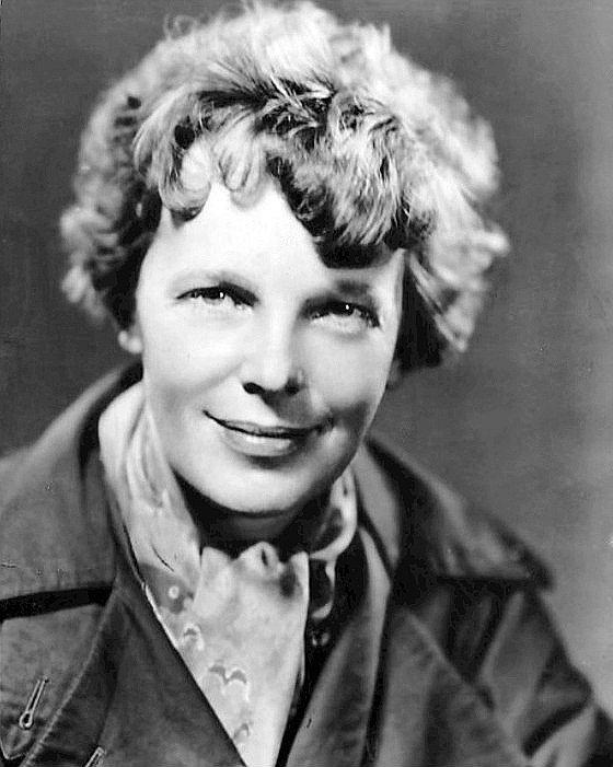 Snímek Amelie Earhartové z roku 1935, kdy uskutečnila úspěšný přelet z Havaje do Spojených států
