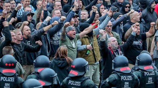 Násilí v saském Chemnitzu.