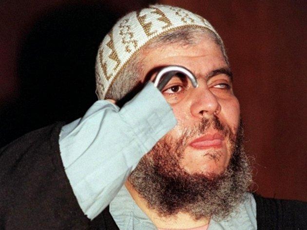 Radikální muslimský duchovní Abú Hamza Masrí.