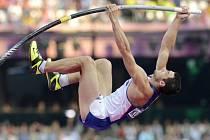 Tyčkař Jan Kudlička ve finále olympijských her v Londýně.