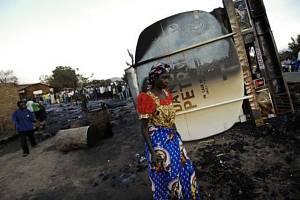 Výbuch cisterny s naftou - Ilustrační foto