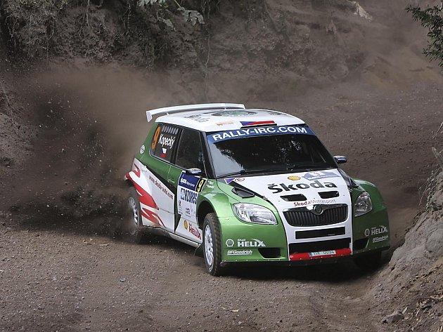 Jan Kopecký ve Škodě Fabia S2000 v Rallye Acores.