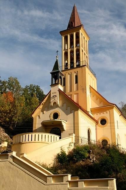 Kostel Dalovice