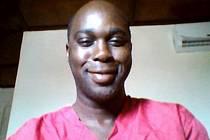 V Africe zemřel na malárii kubánský zdravotník, který přijel pomáhat léčit lidi nakažené ebolou.