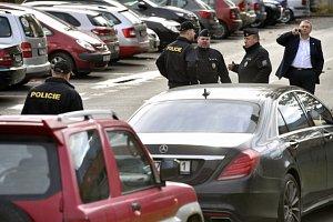 Před štábem SPD zasahovala policie